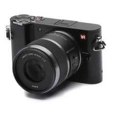 Yi M1 95015 Mirrorless Camera